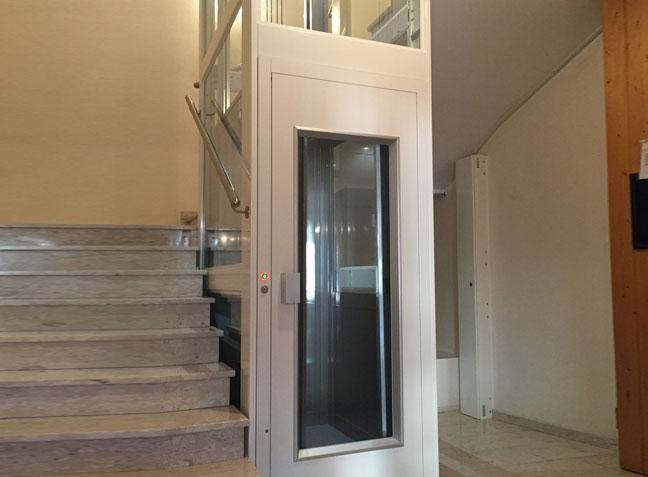 Elektrischer Aufzug